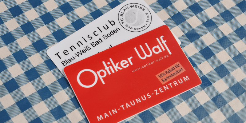 Mitgliedskarten-Tisch-web-800x400